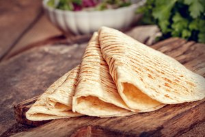 How to Make Flour Tortillas With a Kitchenaid