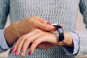 What Hand Do Women Wear a Watch On?