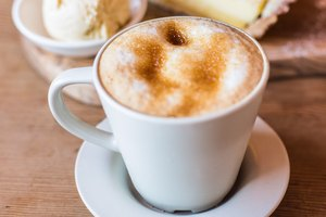 How to Make Your Own Vanilla Latte Syrup Like Starbucks