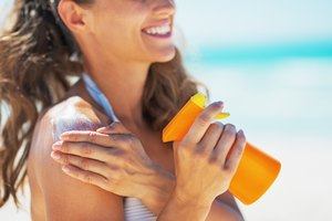 What Is the Bronzer in Tanning Lotion?