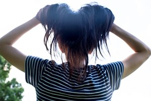 How to Use Honey for Hair Growth