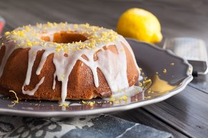 How to Determine the Baking Time for a Bundt Cake