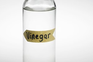What Are the Effects of Vinegar on the Skin?