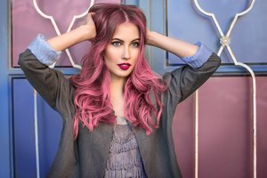 How to Get Highly Concentrated Hair Dye Off Scalp