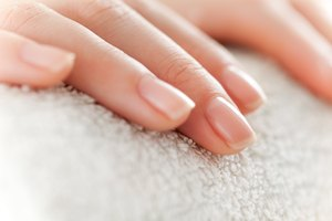 How to Treat Nail Fungus With Baking Soda