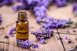 How to Treat a Cold With Essential Oils