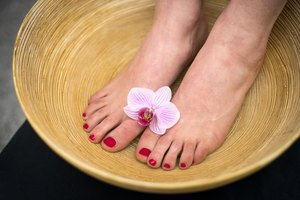 How to Soak Your Feet in Borax