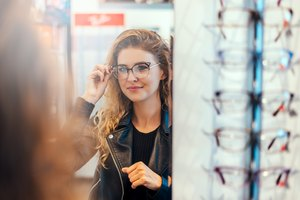 How to Find the Right Glasses to Fit Your Face Shape