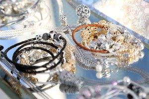 How to Adjust a Pandora Bracelet