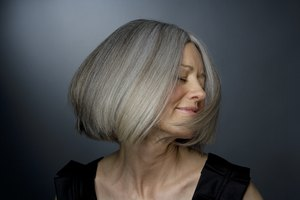 How to Blend Gray Hair With Highlights