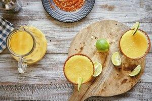 How to Make a Tamarindo Margarita