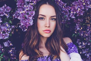 Makeup to Wear With a Purple Dress