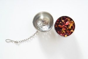 How to Use a Tea Ball
