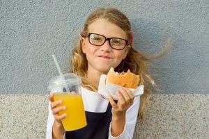 ¿Cuántas calorías deben comer los adolescentes?