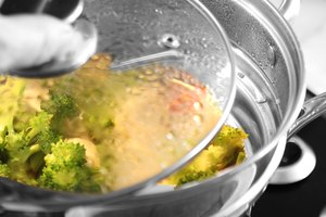 How to Use a Steamer Pot
