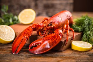 How to Tell When a Lobster Is Done Cooking?