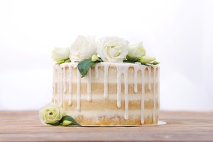 Is It Better To Freeze Or Refrigerate Cake Before Frosting