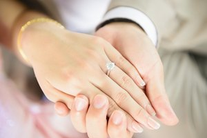 What Is the Difference Between a Diamond and a Diamond Solitaire?