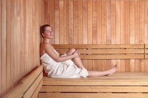 Here's Exactly How Long You Should Stay In A Sauna Or Steam Room So You Don't Overdo It