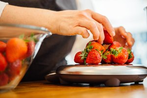 How to Use a Kitchen Scale