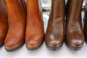 How to Darken Leather Boots With Olive Oil