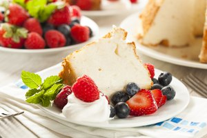 How to Tell If Angel Food Cake Is Done
