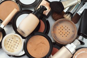 How to Mix Two Different Liquid Foundations Together