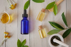 How to Add Drops of Tea Tree Oil to Shampoo