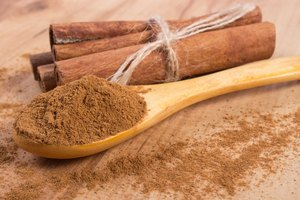 How to Put Ground Cinnamon in Coffee