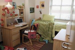 What Are College Dorm Ideas?