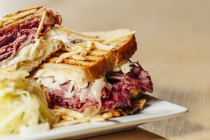 How To Make the Perfect Hot Pastrami Melt