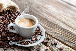 ¿Por qué el café me hace doler el estómago?