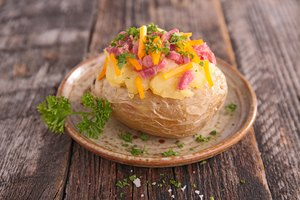 How to Cook Baked Potatoes in a Nesco Roaster