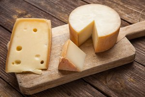 Differences in Swiss Vs. Cheddar