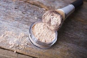 Risks of Inhaling Mineral Makeup