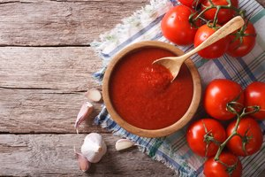 How to Reduce Acidity in a Sauce