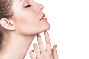 How to Tighten Sagging Skin Under the Chin