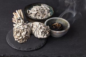What Are the Benefits of Burning Sage?