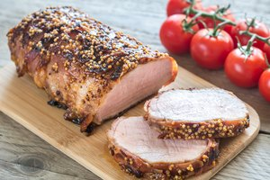 How to Cook Pork Tenderloin in a Roasting Pan