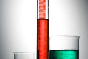 ¿Cómo puedo hacer alcohol isopropílico de 70 por ciento?