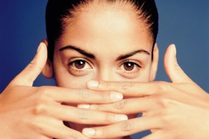 How to Lighten Tinted Eyebrows