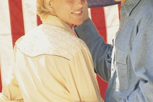 How to Tie a Bandana for a Cowgirl