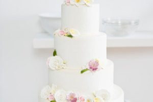 thawing wedding cake first anniversary proper ways to thaw a wedding cake our everyday 20826