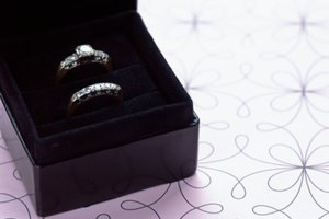 Ideas for a Spouse's Ring After They Die
