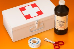 How to Use Hydrogen Peroxide to Help Clear Sinuses
