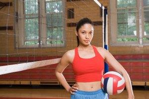 ¿Puedes pasar por debajo de la red en el Volleyball de salón?