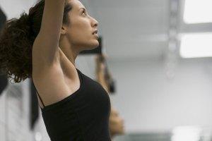 ¿Se puede agrandar tus músculos con flexiones y dominadas?