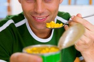 Beneficios y efectos secundarios del maíz dulce enlatado