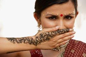 Cómo conservar un tatuaje de henna durante más tiempo