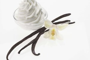 What Is the Difference Between Vanilla Bean & Regular Vanilla Ice Cream?